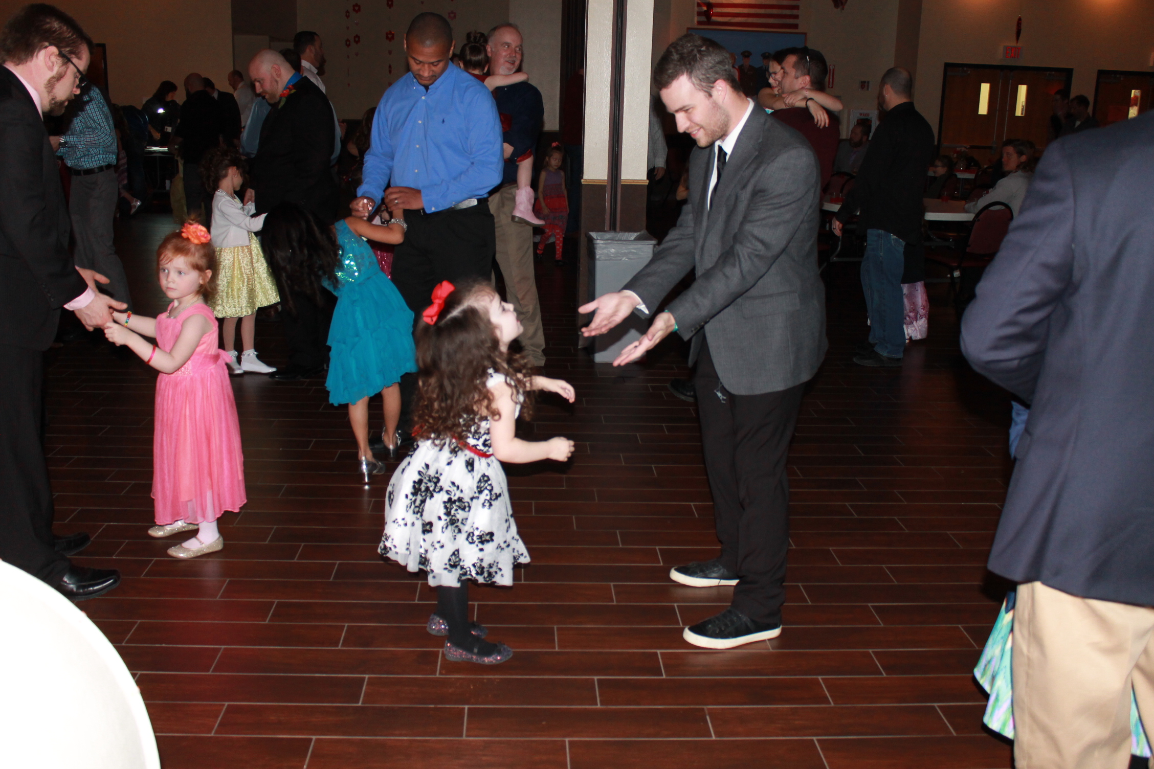 Mr. Rock n' Roll Ronnie Kaye to DJ the Annual Daddy Daughter Dance